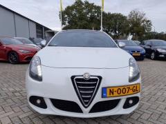 Alfa Romeo-Giulietta-1