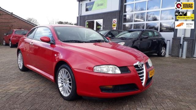 Alfa Romeo-GT